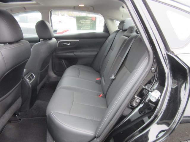 2016 Nissan Altima 2.5 SL 11