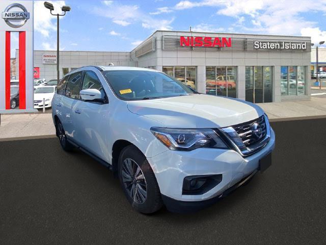 2017 Nissan Pathfinder SL [1]