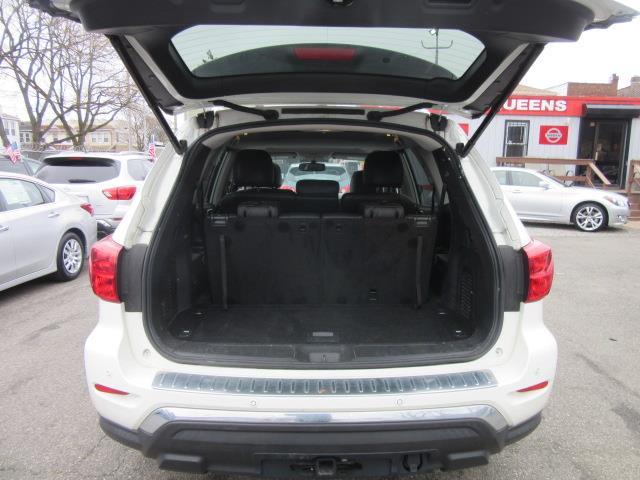 2017 Nissan Pathfinder SL 3