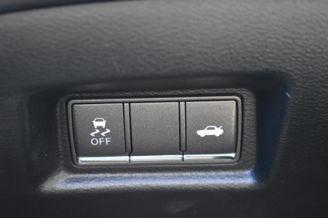 2015 INFINITI Q50 4dr Sdn AWD 26