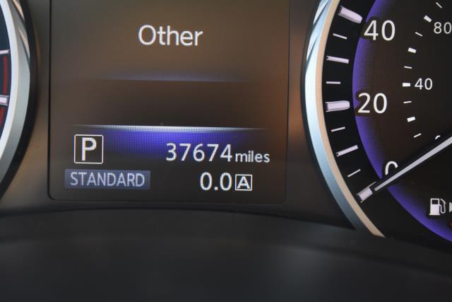 2015 INFINITI Q50 4dr Sdn AWD 28