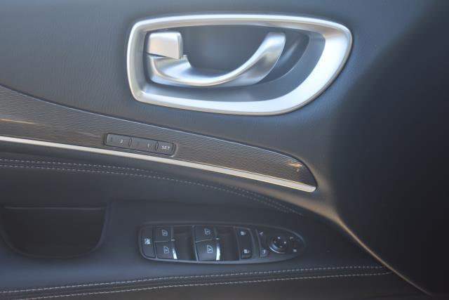 2016 INFINITI QX60 AWD 4dr 17