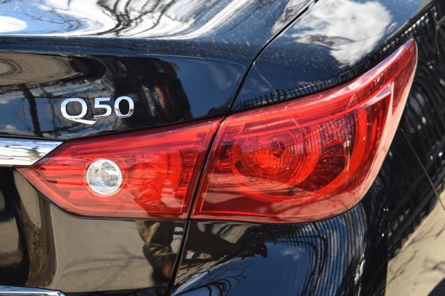 2015 INFINITI Q50 Premium 7