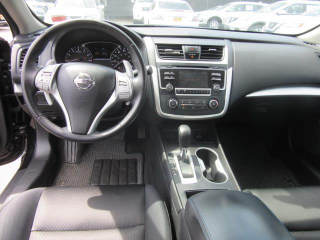 2016 Nissan Altima 2.5 SR 12