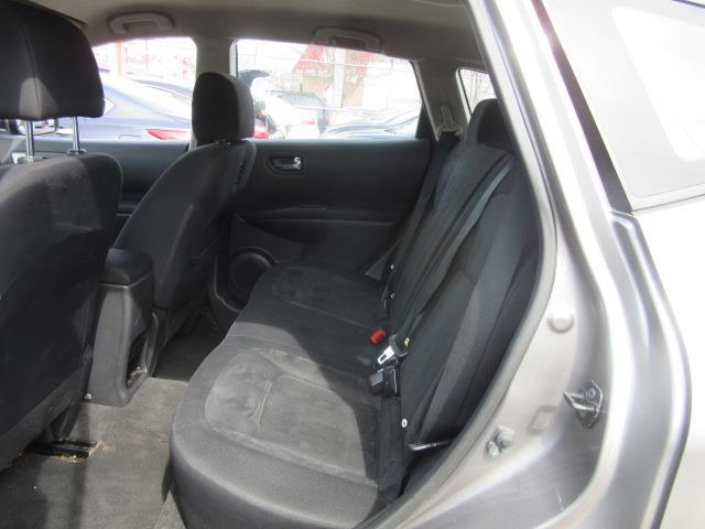 2010 Nissan Rogue S 10