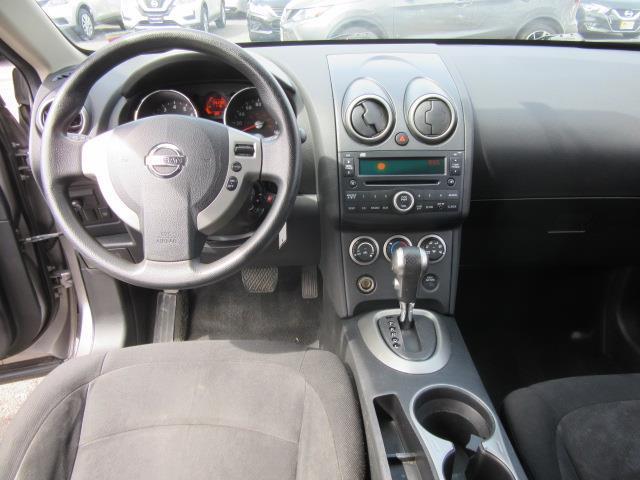 2010 Nissan Rogue S 11