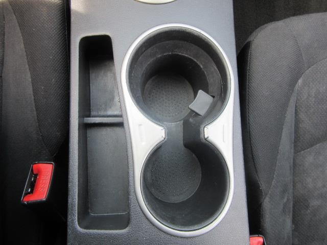 2010 Nissan Rogue S 24