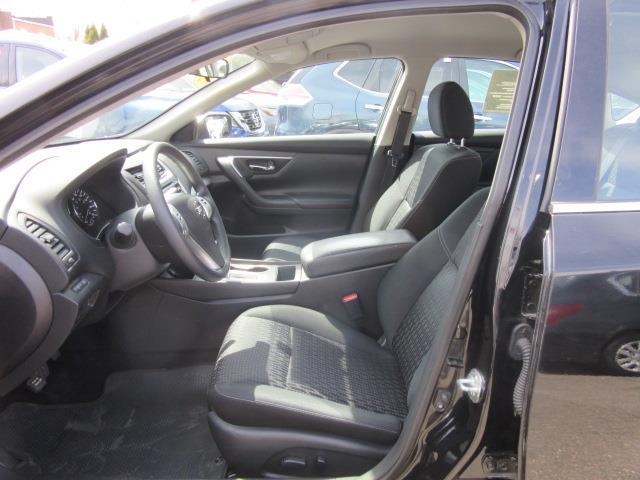 2016 Nissan Altima 2.5 S 9