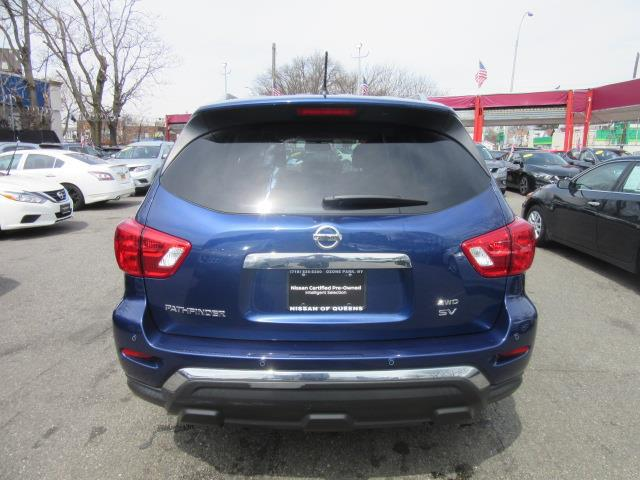 2017 Nissan Pathfinder SV 4