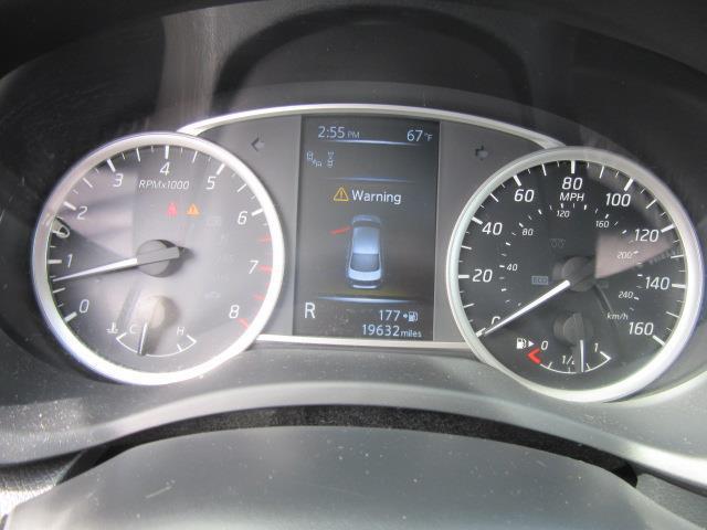 2016 Nissan Sentra SR 27
