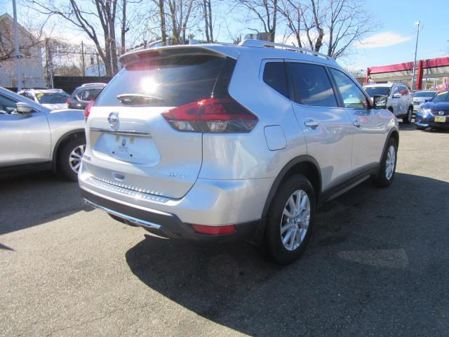 2018 Nissan Rogue SV 2
