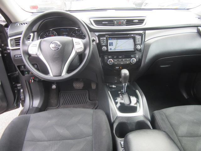 2016 Nissan Rogue SV 13