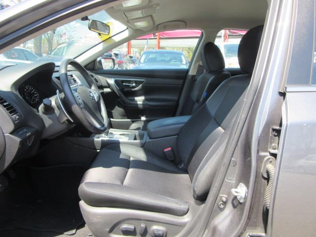 2016 Nissan Altima 2.5 SR 10