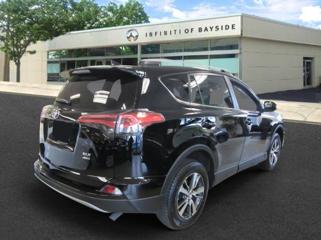 2018 Toyota Rav4 XLE 1