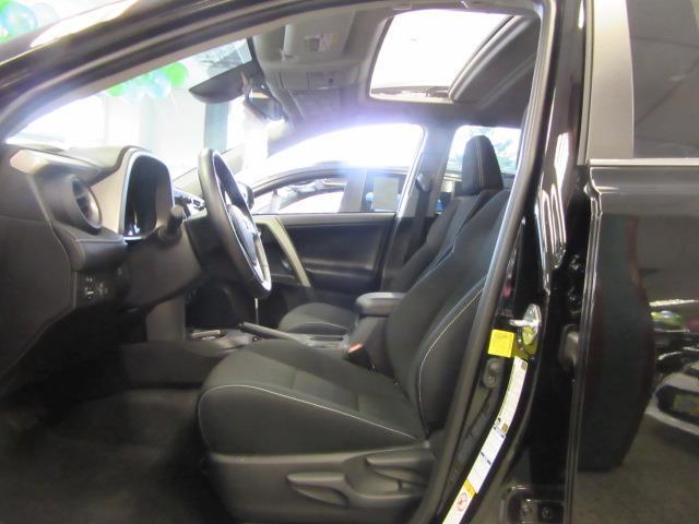 2018 Toyota Rav4 XLE 10