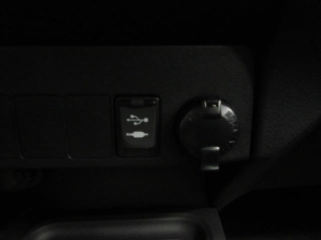 2018 Toyota Rav4 XLE 26