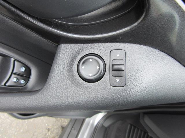 2019 Nissan Rogue S 15