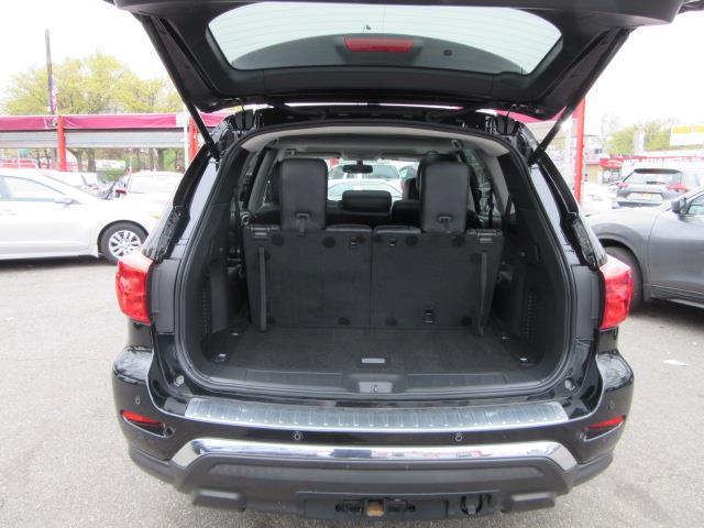 2017 Nissan Pathfinder Platinum 4