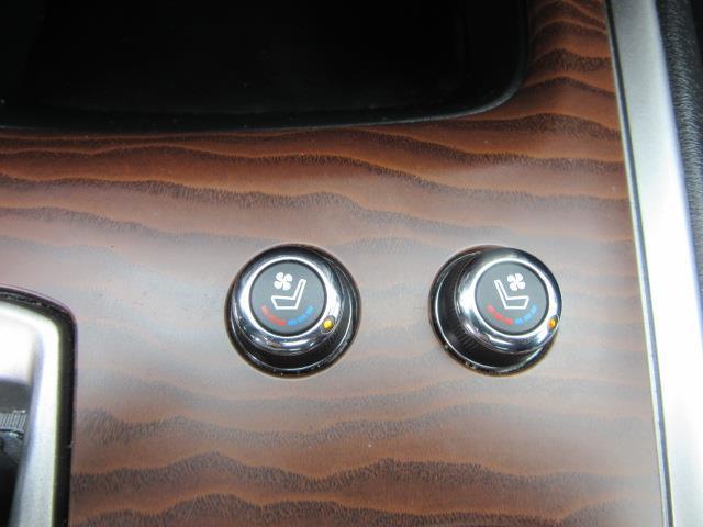 2017 Nissan Pathfinder Platinum 24