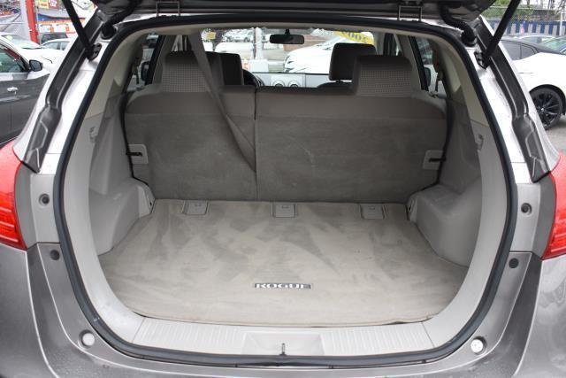 2009 Nissan Rogue SL 9