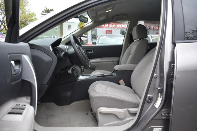 2009 Nissan Rogue SL 11