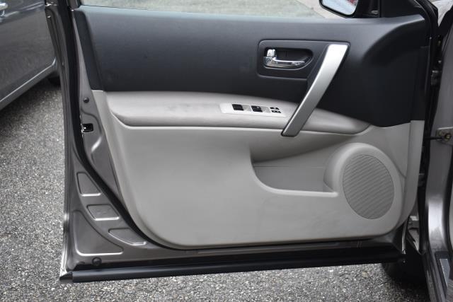 2009 Nissan Rogue SL 14