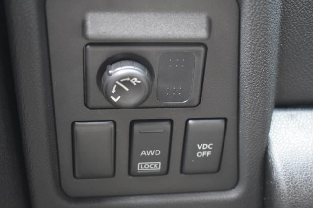 2009 Nissan Rogue SL 23