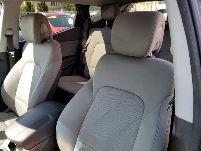 2017 Hyundai Santa Fe Sport 2.4L 9
