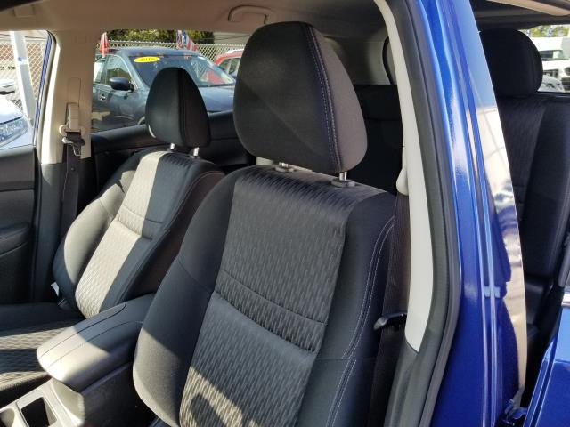 2017 Nissan Rogue S 9