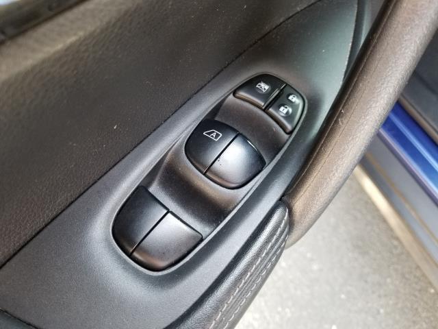2017 Nissan Rogue S 17