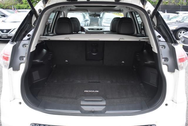 2016 Nissan Rogue SL 10