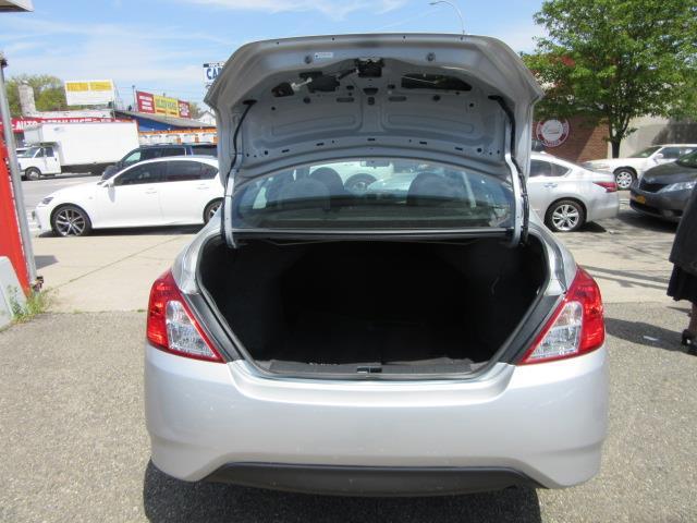 2015 Nissan Versa S Plus 8