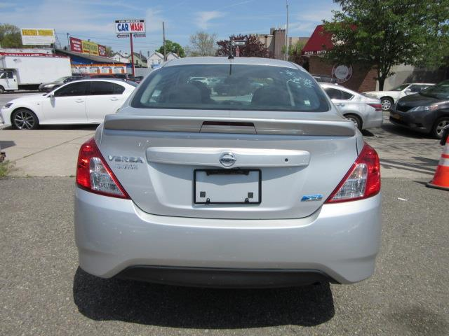2015 Nissan Versa S Plus 9