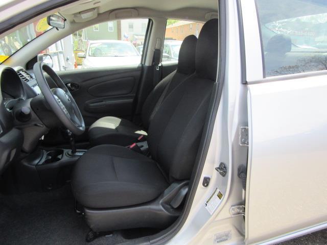 2015 Nissan Versa S Plus 19