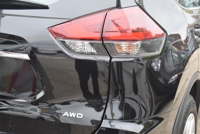 2019 Nissan Rogue S 9