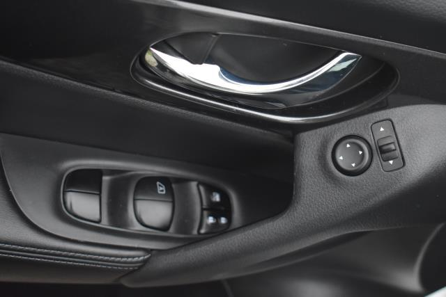 2018 Nissan Rogue S 15