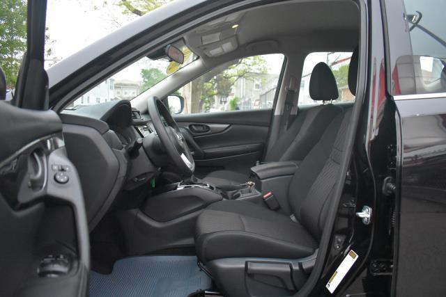2019 Nissan Rogue S 12