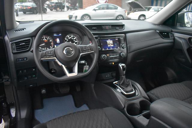 2019 Nissan Rogue S 14