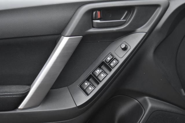 2015 Subaru Forester 2.5i 16