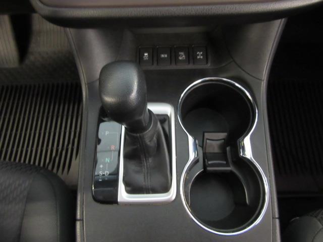 2019 Toyota Highlander LE 26