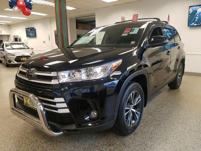 2019 Toyota Highlander LE 3