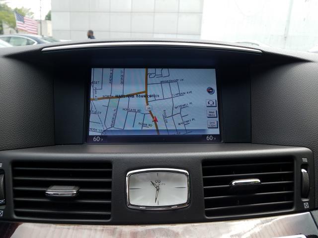2016 INFINITI Q70 4dr Sdn V6 AWD 18