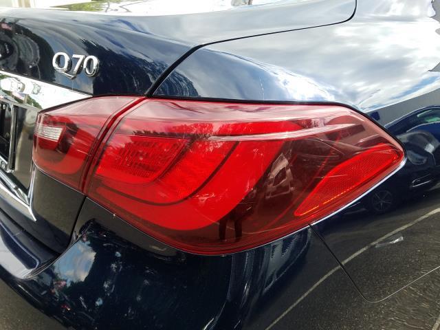 2016 INFINITI Q70 4dr Sdn V6 AWD 9