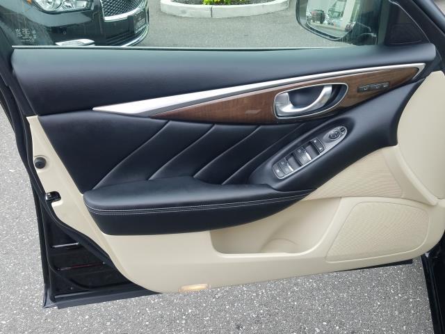 2015 INFINITI Q50 Premium 9