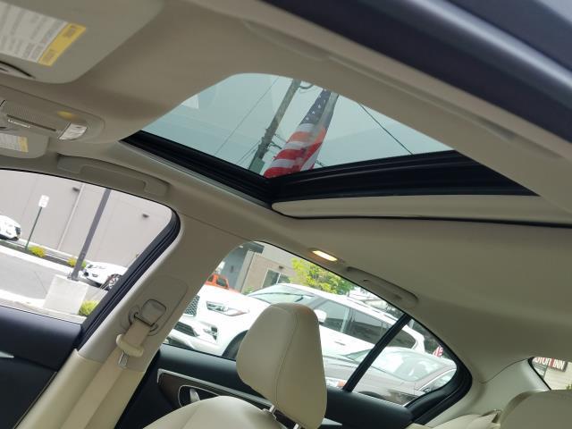 2015 INFINITI Q50 Premium 13