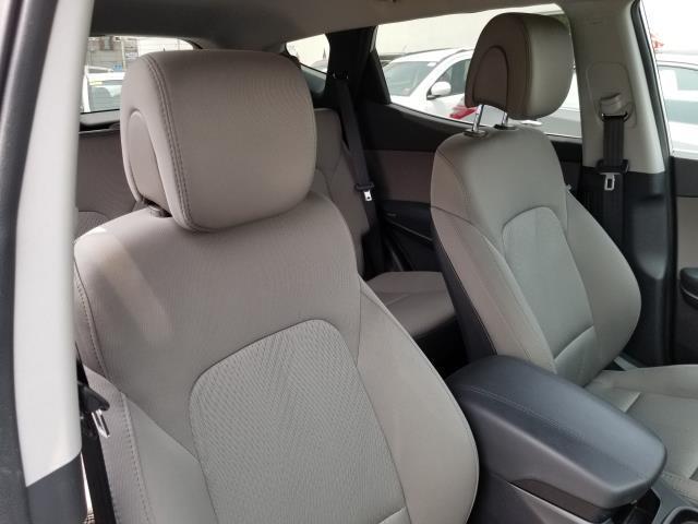 2013 Hyundai Santa Fe 2.0T Sport 14