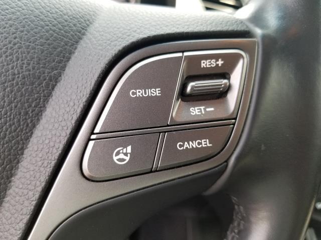 2013 Hyundai Santa Fe 2.0T Sport 20