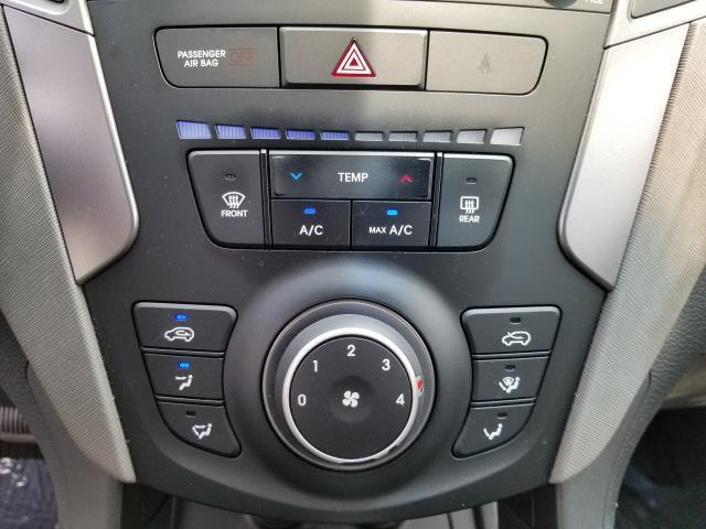2013 Hyundai Santa Fe 2.0T Sport 23