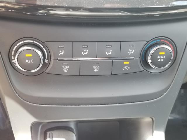 2016 Nissan Sentra SV 22
