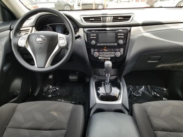 2016 Nissan Rogue SV 16